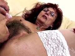 Penetracion con puños, Peludo, Lesbiana