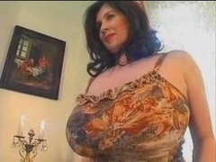 Belle grosse femme bgf, Rondelette, Énorme, Seins flasques