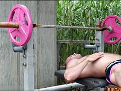 hairy bodybuilder dildo with cumshot