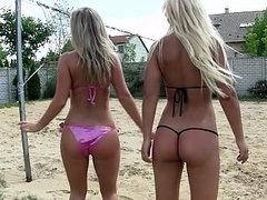 Amateur, Cul, Bikini, Blonde, Brunette brune, Groupe, Fête, Réalité