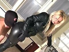 Lécher le cul, Femme dominatrice, Cuir