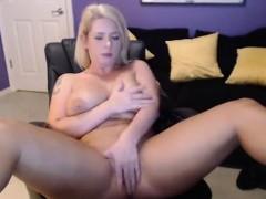 Chubby blonde clit stimulation on livecam