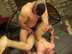 Bromo - Dee with Peter One at Used Muscle Sce