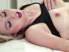 carter cruise having sex with her friend masseuse