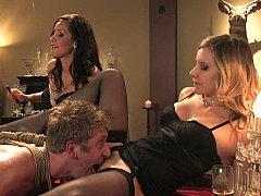 Lieveling, Blond, Bruinharig, Dominatie, Dominante vrouw, 1 man 2 vrouwen, Ondergoed, Trio