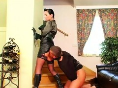 Babe with nice milk sacks gets her pussy screwed with sextoy