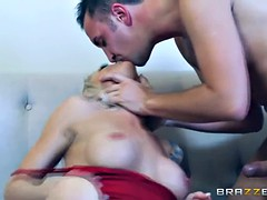 Synthia Fixx is one horny sisterinlaw