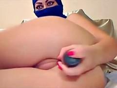 Sexy Haram Muslim Woman Masturbates on Webcam