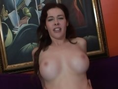 Peach gives blowjob and receives amazing vaginal penetrations
