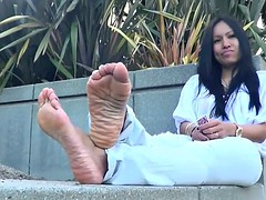 NUT DRAINING SMELLY WRINKLED SOLES