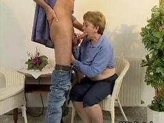 Nasty aged bitch goes wacky giving bj