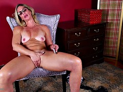 Real mature mom having phone sex