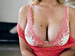 Grote mammen, Blond, Oudere vrouw, Sperma shot, Hardcore, Huisvrouw, Stiefmoeder, Lerarin