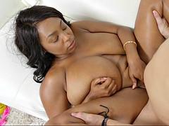 rachel raxxx held her giant tits while getting slammed