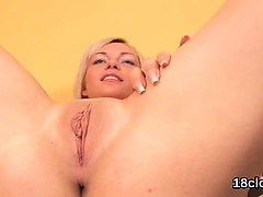 Fervent nympho is gaping yummy cunt in close up and having o