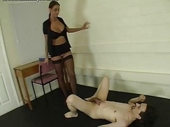 Ballbusting World Severe Brune Dominatrix