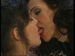 Debora double fist-fucking with Chrystelle