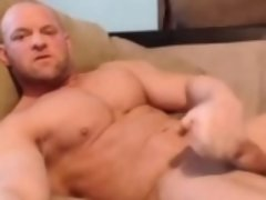 Str8 Bodybuilder Stoke and Shot in His Mouth On Webcam
