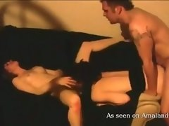 amateur couch threesome