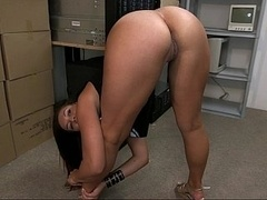 A new super booty on her flexible young-looking body