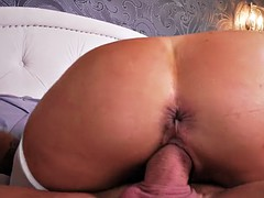 big booty raven hart enjoys hardcore cowgirl riding