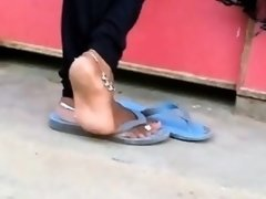 Candid indian anklet feet shoeplay in flipflops
