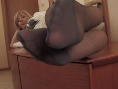 Nylon Feets 30
