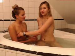 Strapon amateur lesbians