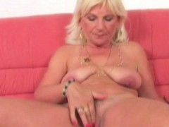 Blonde Granny Linda Loves Solo Play