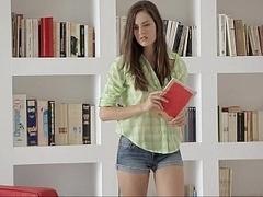 18 ans, Mignonne, Européenne, Innocente, Culottes ou slips, Petite femme, Solo, Étudiant