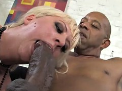 blonde skank gets fucked by black dudes