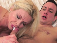 Blonde, Sucer une bite, Faciale, Hard, Hd, Mature