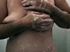 Washing tits