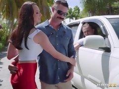 Morena, Coche, Sexo duro, Al aire libre, Chupando