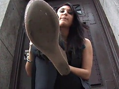 lindsey.l outdoor shoes licking pov